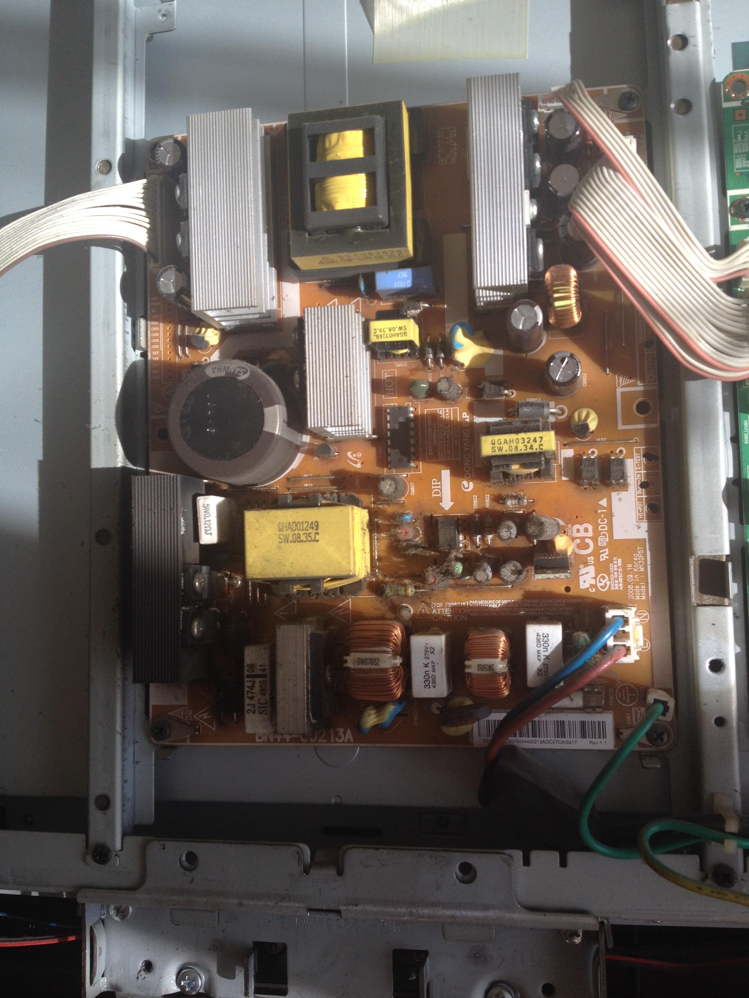 Samsung LE32A430 - Wy��cza si� - wymiana kondensator�w