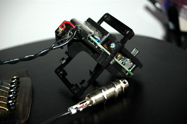 gitara elektroakustyczna, co� si� dzieje z elektronik�