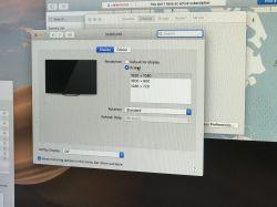 Wnętrze trzech różnych przejściówek Mini Display Port na VGA