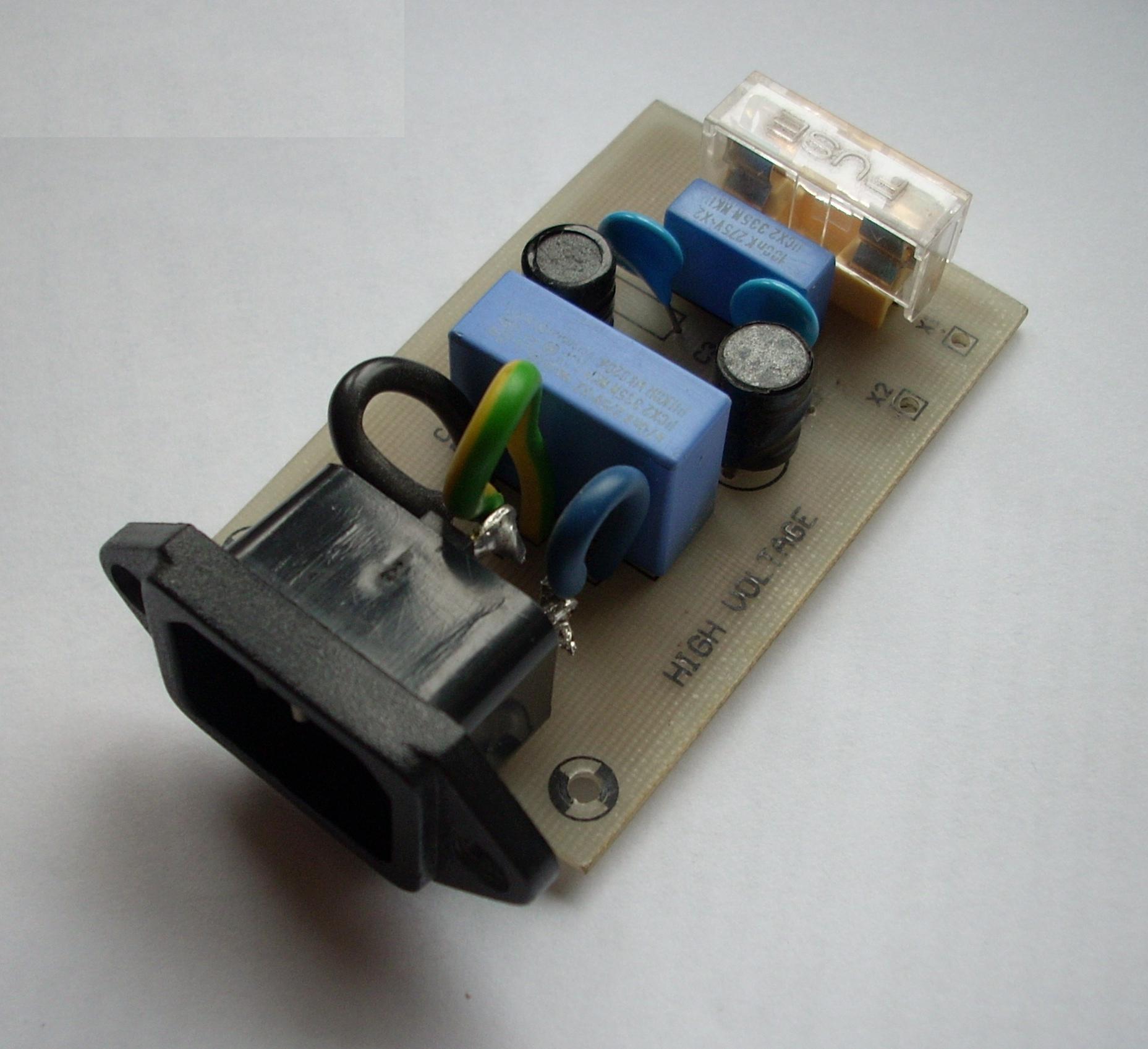 Prosty filtr przeciwzak��ceniowy 230V