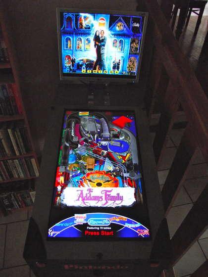 Cyfrowa maszyna do gier Pinball.