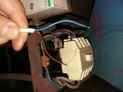 Jak podlączyć czujnik zaniku fazy do stycznika i silnika 3 fazowego?