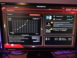 BIOS nie widzi wentylatora płyty głównej i jego obrotów.