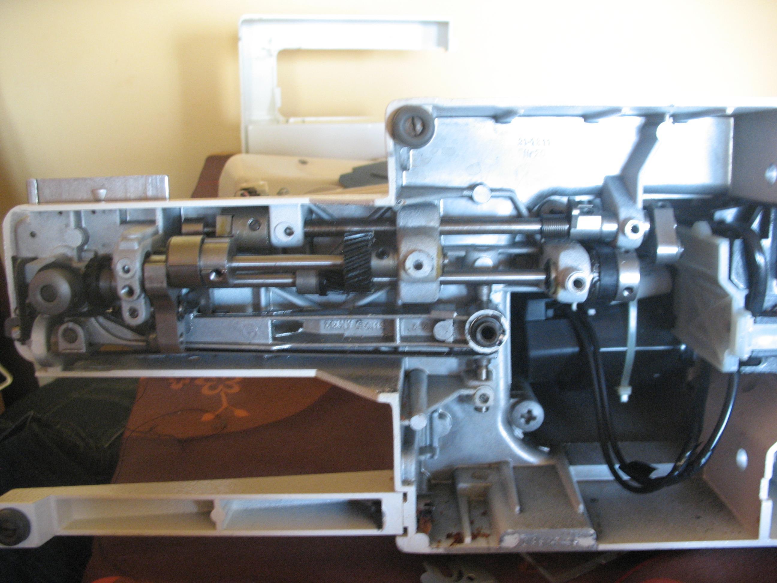 Maszyna do szycia �UCZNIK 834 - cz�ci - z�batka