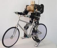 Robot jeżdzący na rowerze