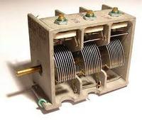 Początki elektroniki - cz.4 Kondensatory, łączenie kondensatorów