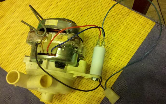 Ariston LS2450ST silnik pompy myj�cej ?