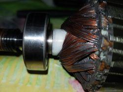 Whirlpool AWE6317/P - Prawidłowe ustawienie łożysk i tacho na wirniku. Serwisówk