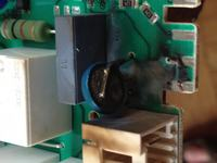 Bosch SRV45T63EU/01 - jaki warystor na wejściu 230V ?