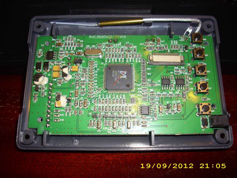 Jak pod��czyc kamer� do monitora lcd, kt�ry odbiera� sygna� radiowo