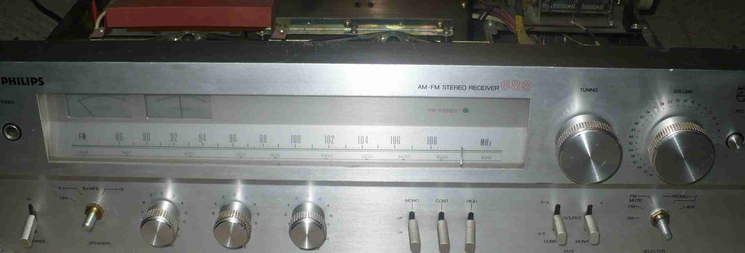 Philips (22)AH 683 - Pad� przeka�nik i/lub ko�c�wka mocy