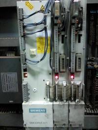 Simodrive 611-silnik zatrzymuje się i wyświetla Fehler 10
