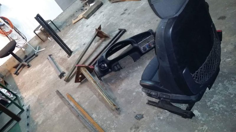 Kokpit z BMW - symulator do gier