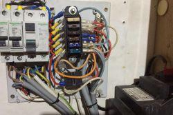 Jak dołożyć 12V z akumulatora w przyczepie kempingowej