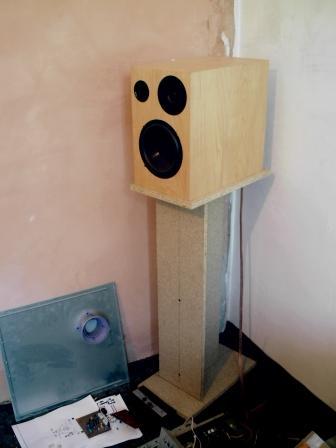 Tanie monitorki do kompa(mp3,gry itp)TVM