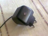 Montarz diody LED w ładowarce.