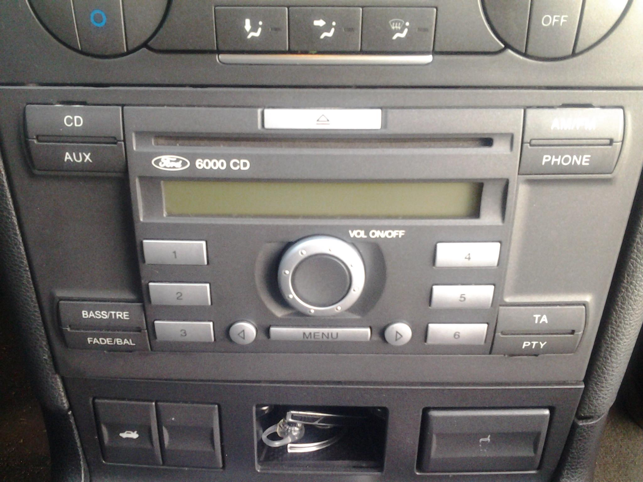Zawiesza si� radio ford6000cd w mondeo mk3 2.0tdci