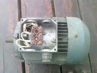 jak pod��czy� i jaki kondensator do takiego silnika