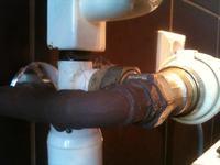 grzejnik �azienkowy zeberkowy  - cieknie woda z grzejnika