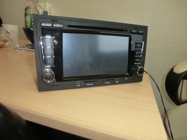 Mercedes Benz - radio z nawigacj�