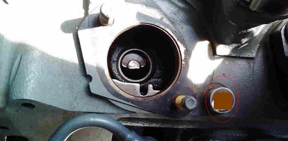 Silnik Deutz 2011 f - ci�ki rozruch i kopcenie na niebiesko