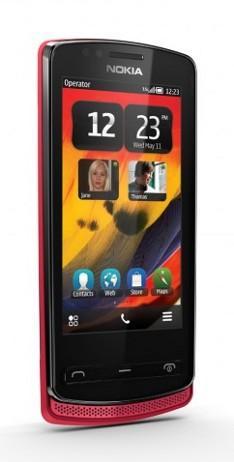 Nokia 700 - najmniejszy smartphone z nowym OS-em Symbian Belle + zdj�cia