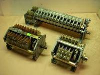 Przełącznik obrotów wraz z regulatorem obrotów.