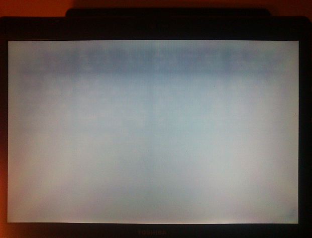 toshiba a210-11P - bia�y ekran,karta grafiki,nie reaguje