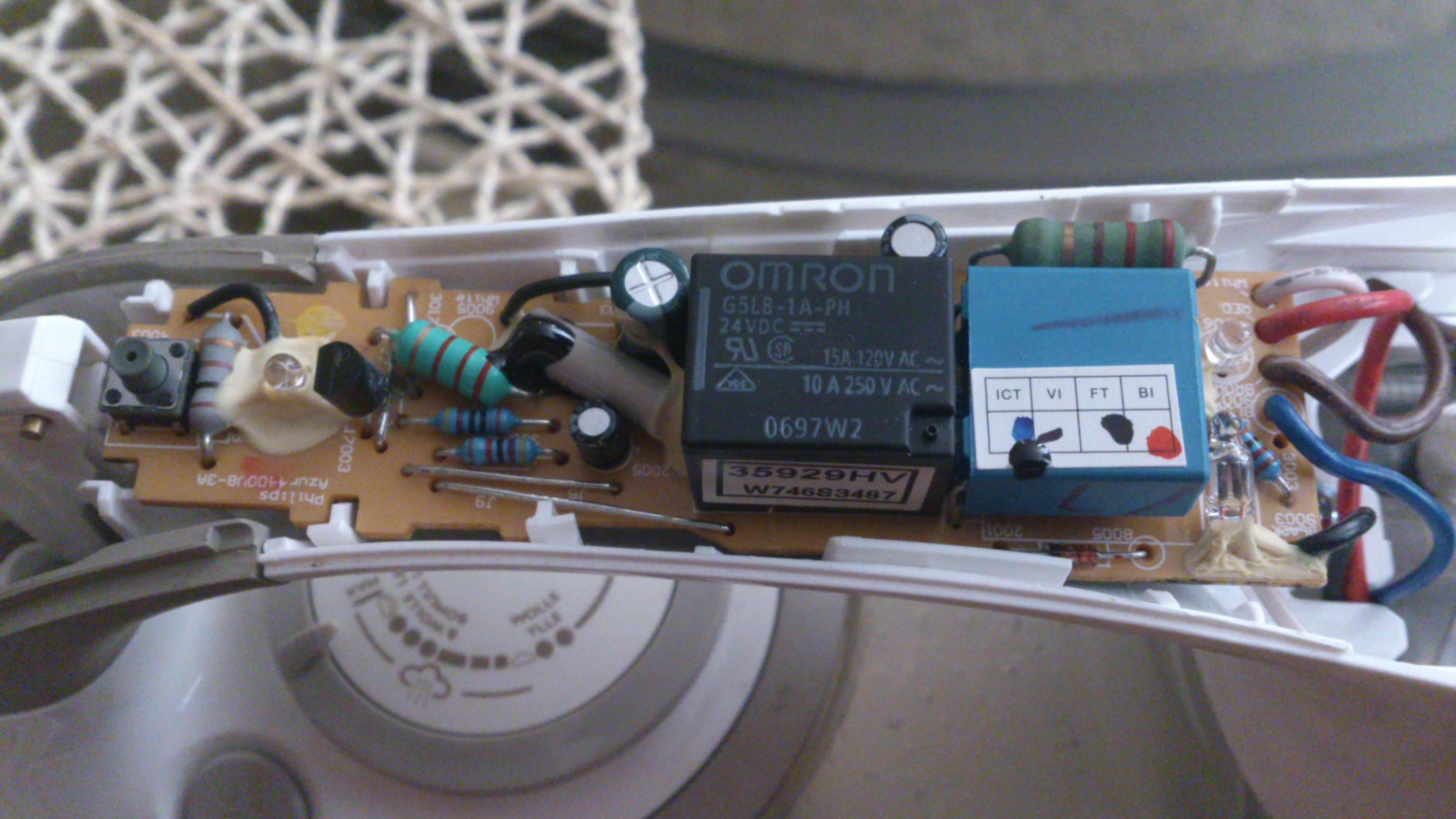 philips GC 4440 - Funkcja auto off.Zelazko w��cza si� i przechodzi w stan u�pien