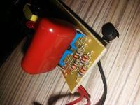 Zwiększenie napięcia elektrycznej łapki na muchy, kilka pytań