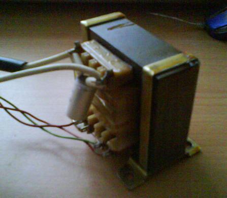 Zasilacz warsztatowy 0-30V/2mA-3A