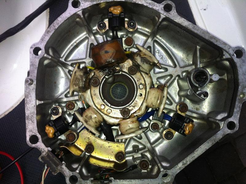 Skuter wodny Yamaha 1200gp - Ga�nie po dodaniu gazu, uklad CDI