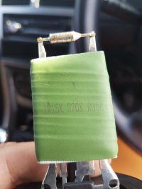 Peugeot 307 - Rezystor od nawiewu kable zaczęły się nagrzewać.