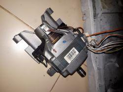 Pralka Elektrolux L46000 - silnik startuje, wchodzi w obroty i się wyłącza po ok