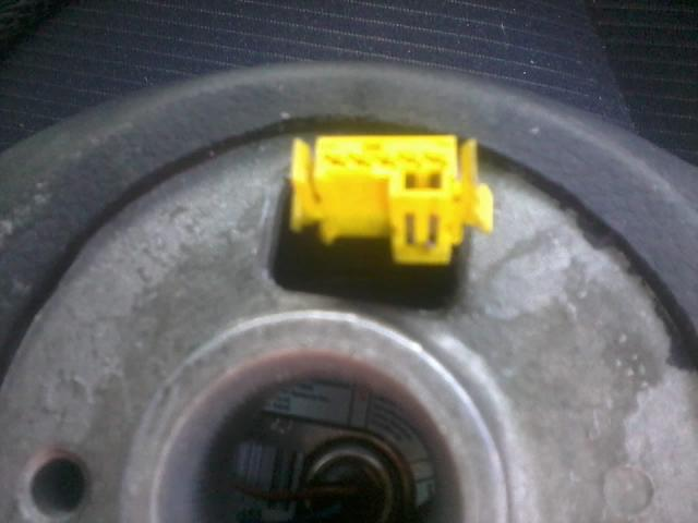 pod��czenie przycisk�w kierownicy s4 w audi80 do radia sony z wejsciem remote