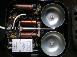 Przedwojenny telefon - serwis - Poszukiwany serwis starego tel. przedwojennego