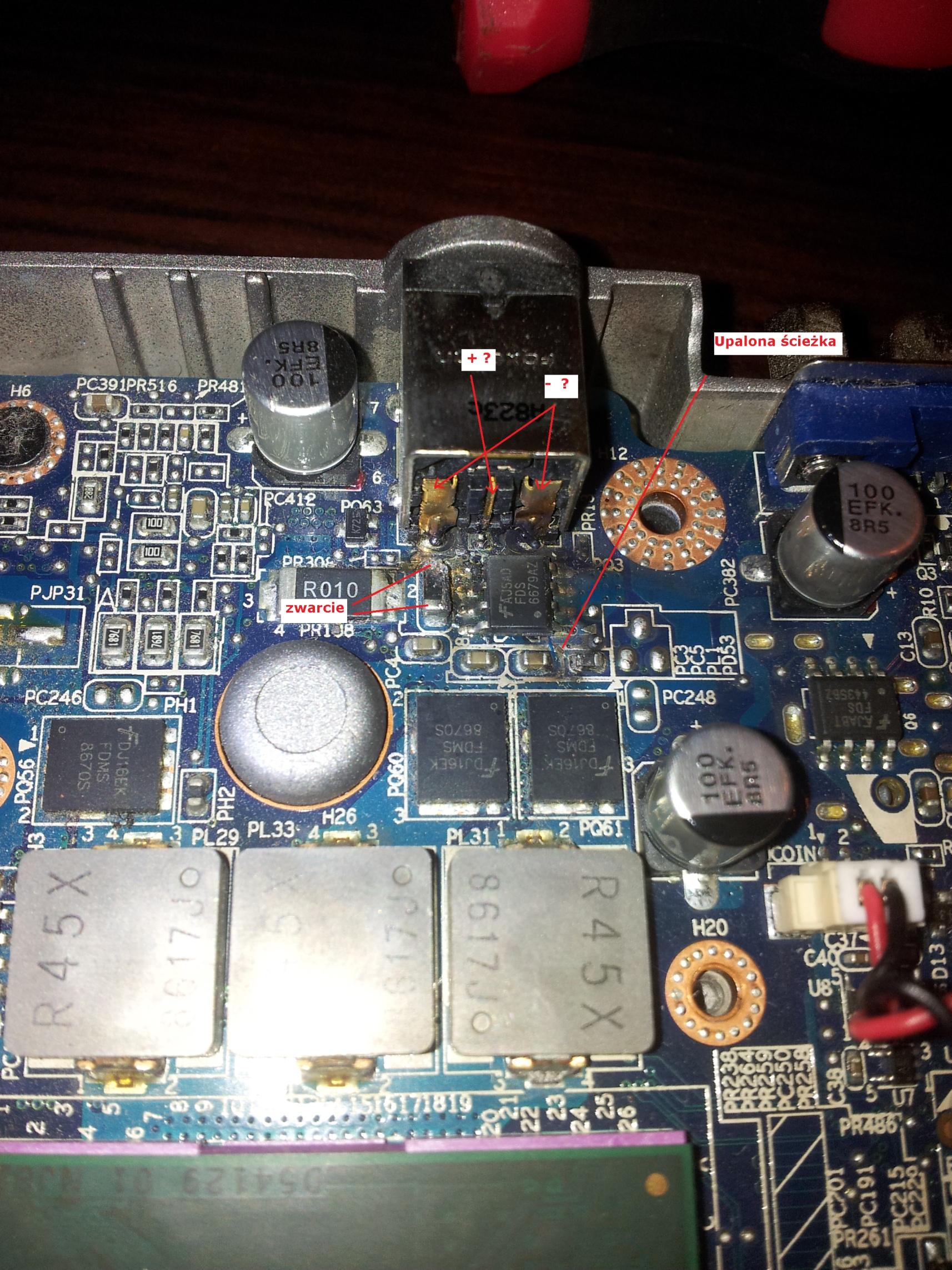 Dell Latitude D630 - Padni�ta p�yta g��wna (sekcja zasilania)