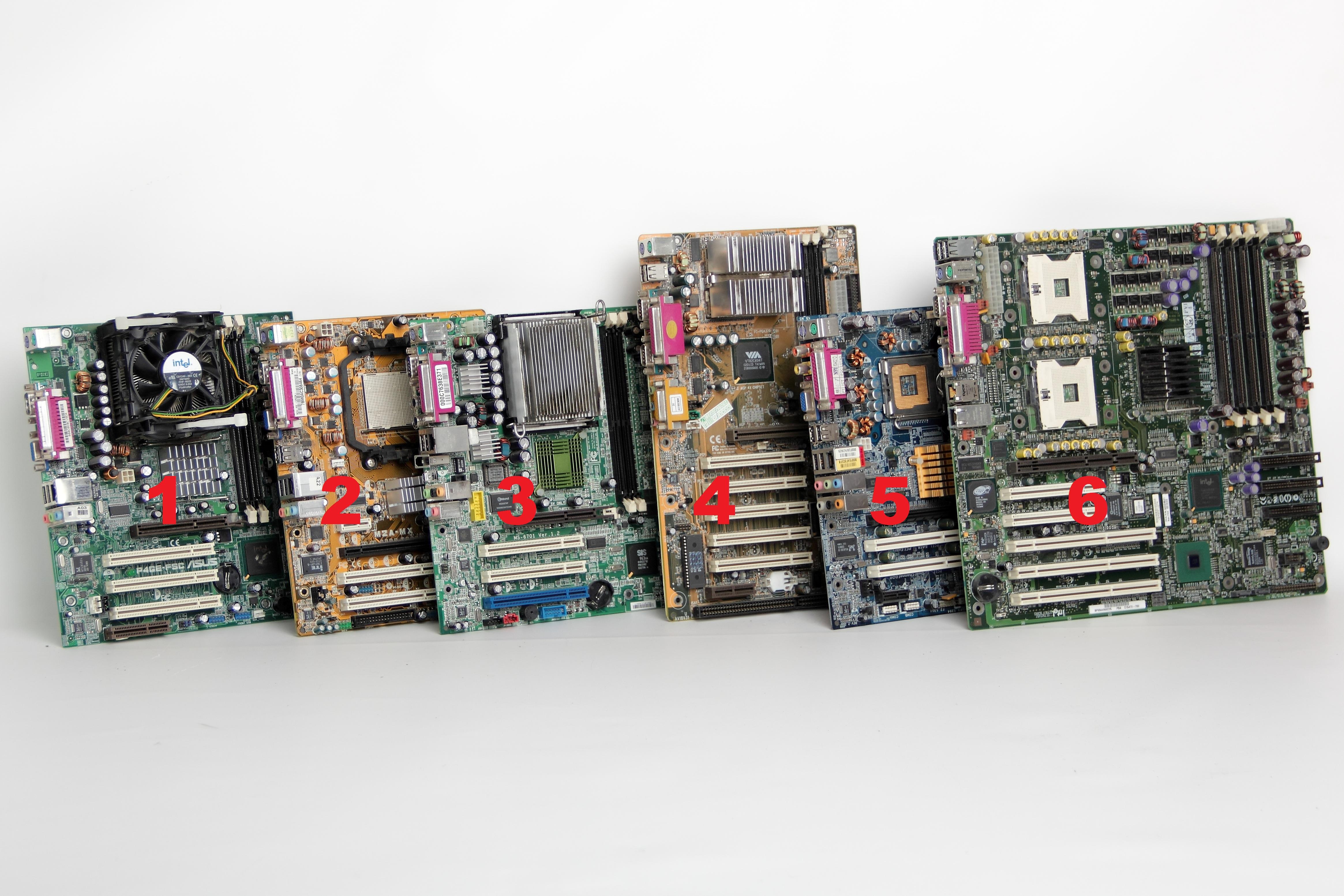 [Sprzedam] Cz�ci Komputerowe: P�yty g�, Procesory, Karty Graf, Czytnik kod�w kr