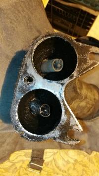 URSUS C330 (1978 rok) - Wymiana głowicy? Olej w kolektorze wydechowym?