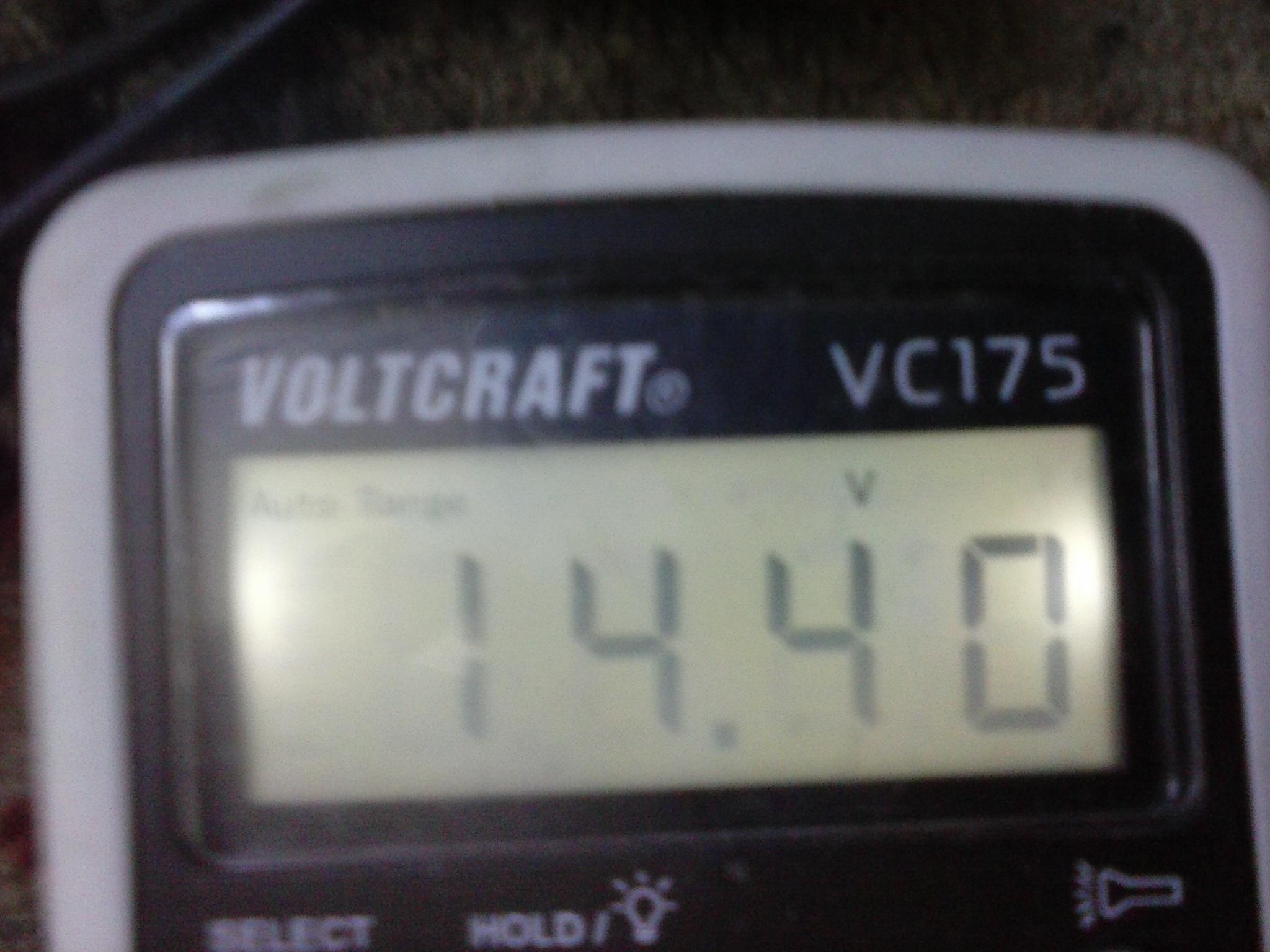 Prostownik do akumulator�w  12 volt.