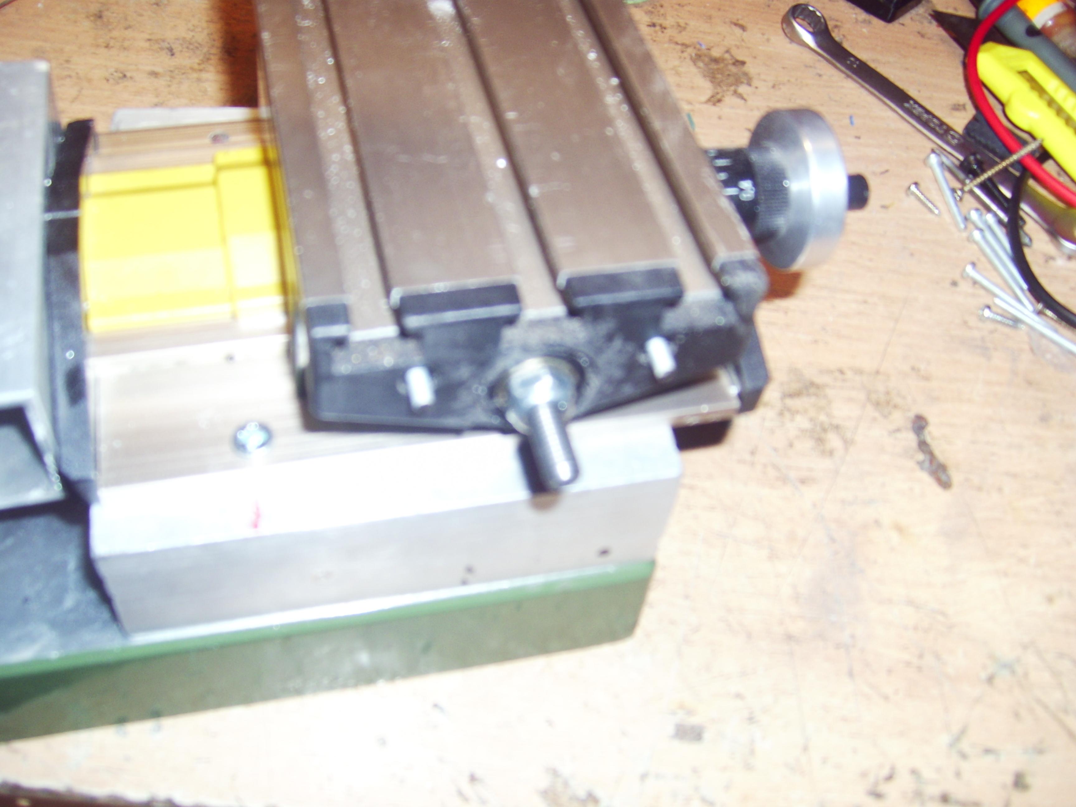 Minifrezarka CNC - przer�bka r�cznej frezarki na CNC