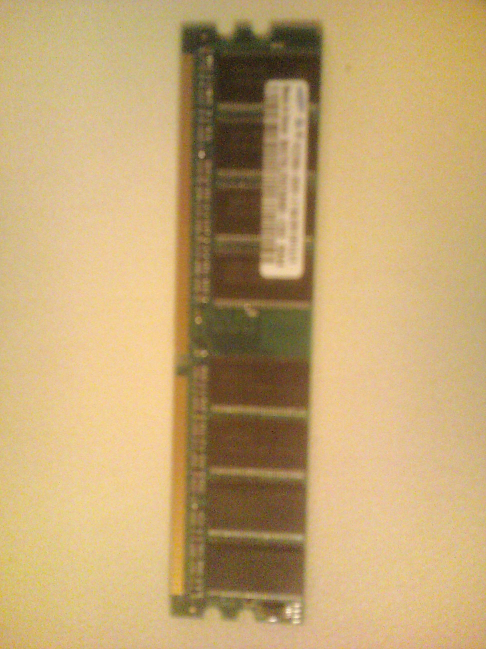 Gigabyte GA-8I915P-G - komputer nie startuje z now� pami�ci� RAM