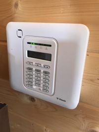 Dobór systemu alarmowego na budowę