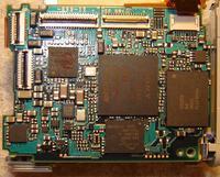 Sony DSC W30 gdzie s� bezpieczniki ?