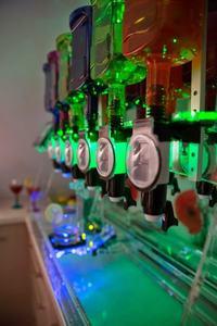 Barobot - Robot serwujący drinki