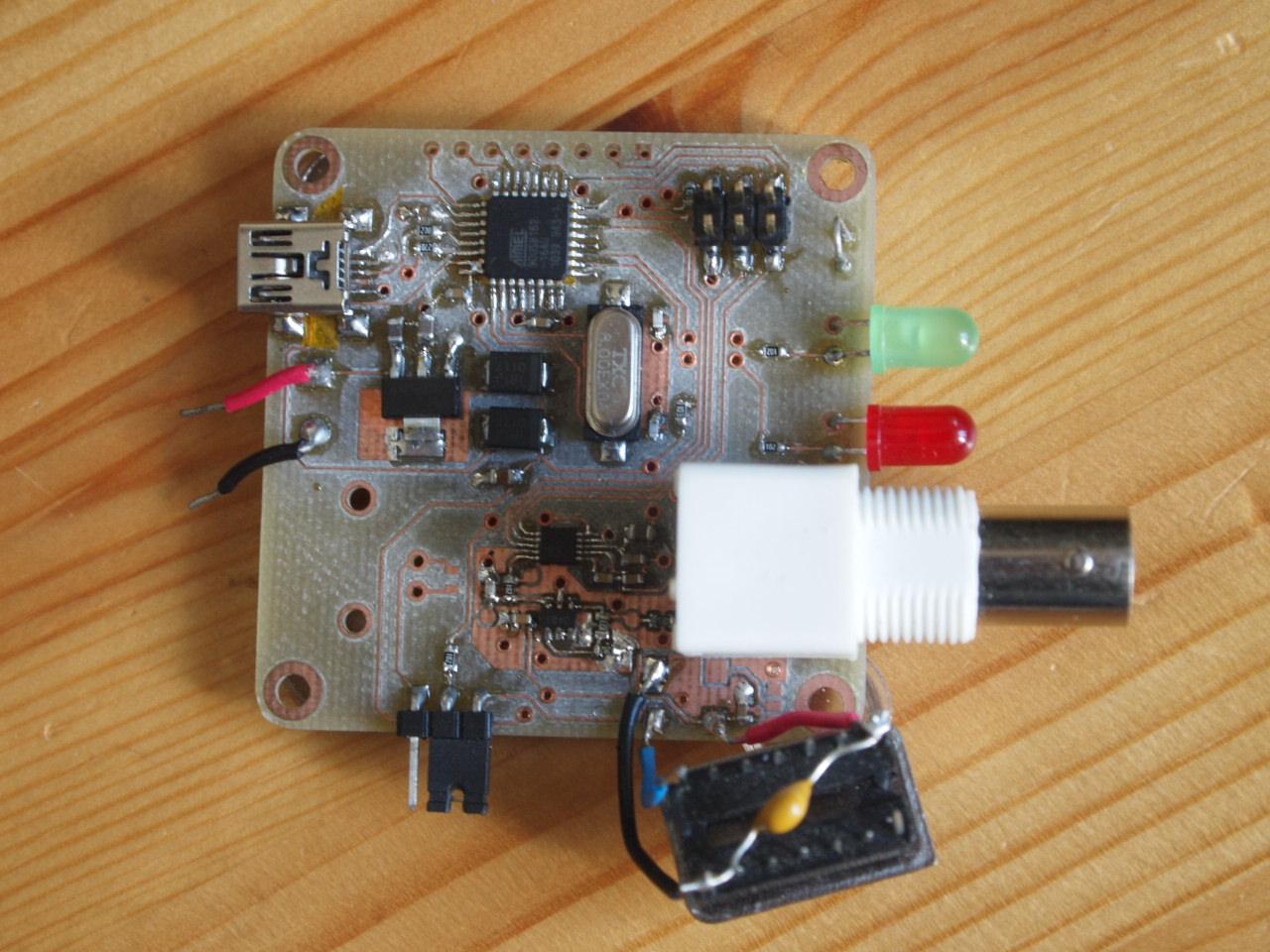Generator funkcji oparty na uk�adzie AD9833
