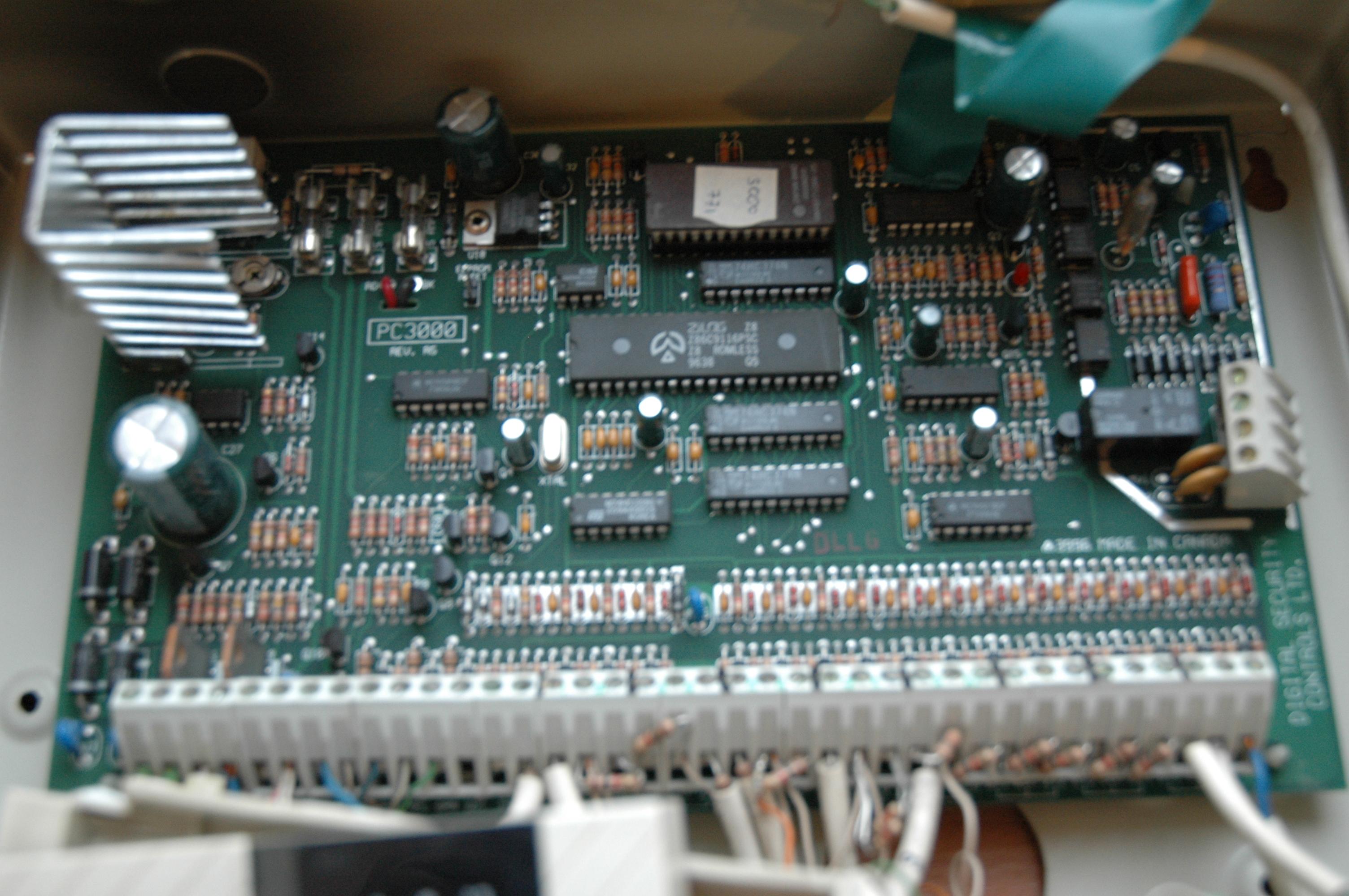 ... [Sprzedam] DSC PC 3000 centralka z klawiaturą