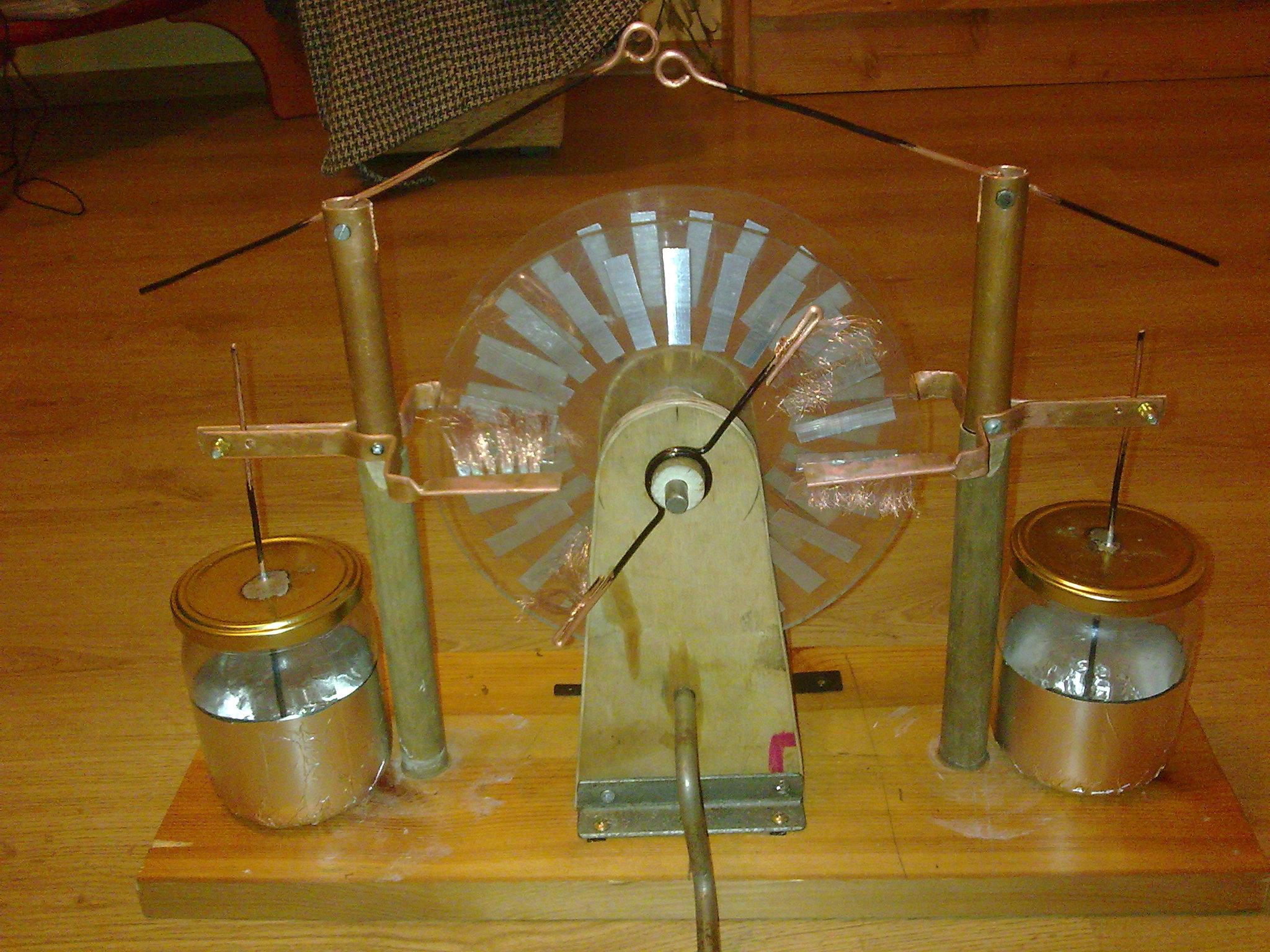 Maszyna elektrostatyczna nie dzia�a. Co zrobi�em �le?