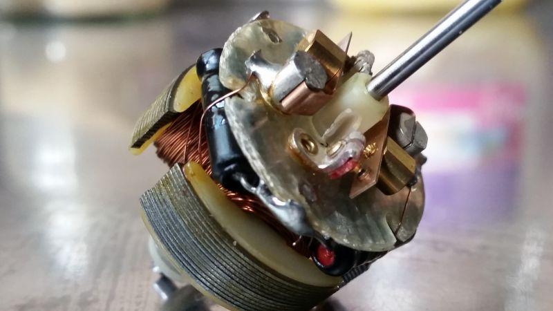 Magnetofon szpulowy, dźwięk nierówny. Szukam serwisówki do Panasonic RQ-156s