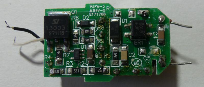 Wnętrze uszkodzonego LED GU10 4W 230V